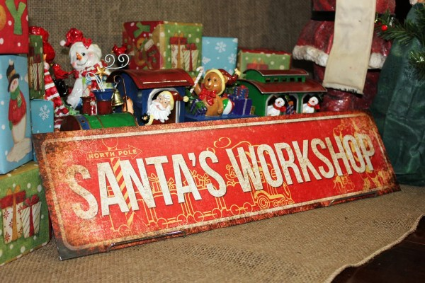 Santa' Workshop Christmas Decor Metal Sign