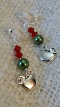 Children's Clip on Earrings and Necklace Set by PrettieLobes