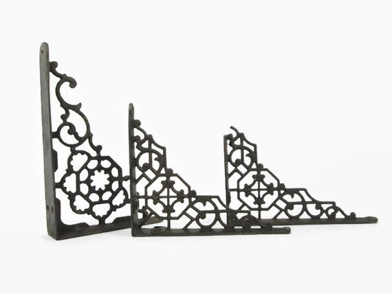 Victorian Cast Iron Shelf Brackets: Small Ornate Lattice