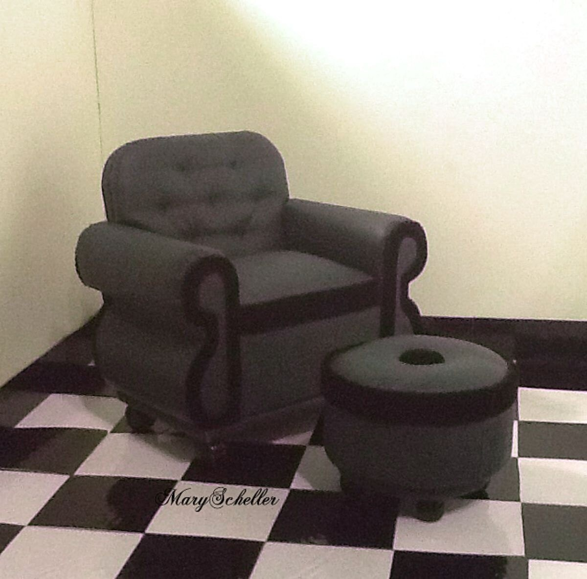 Overstuffed Library Chair and Ottoman for Barbie Bratz Blythe
