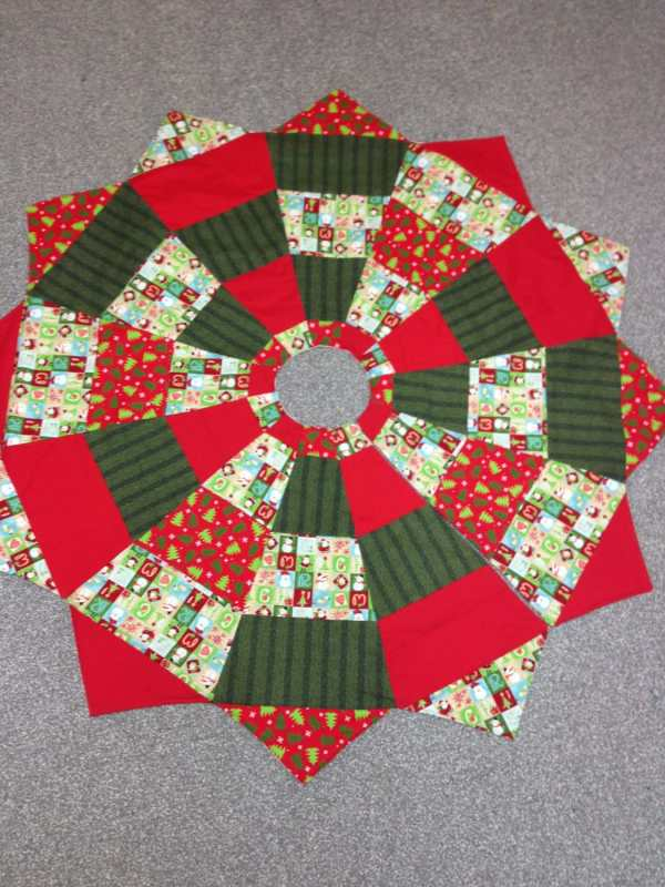 Quilted Christmas Tree Skirt Ladybugapproved