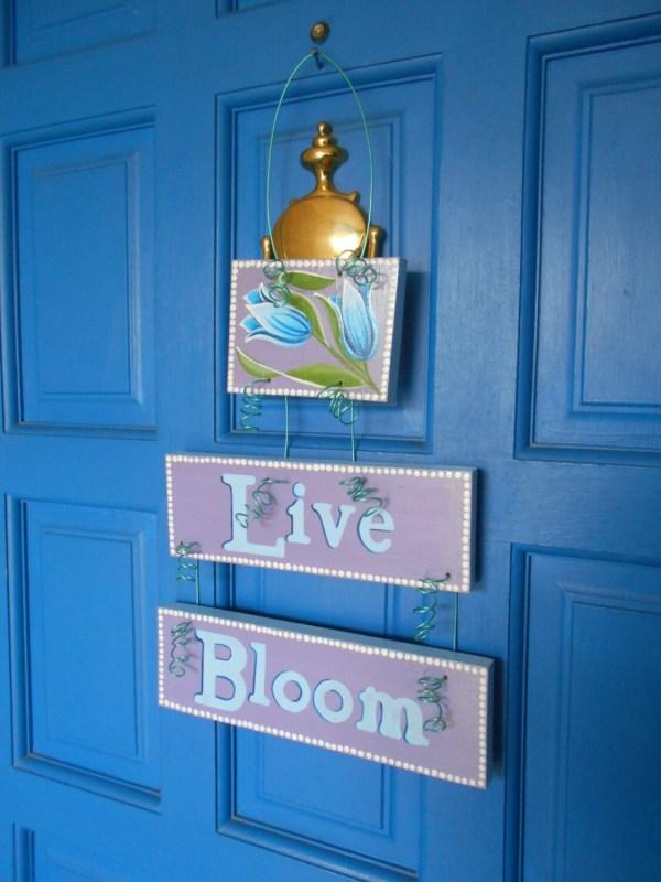 Spring Plaque Garden Decoration Door Art Hand Painted Sign