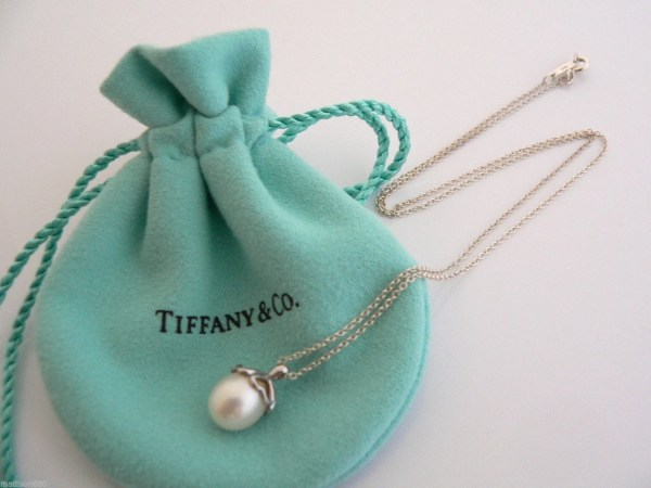 Tiffany & Sterling Silver Heart Cap Pearl Necklace Pendant