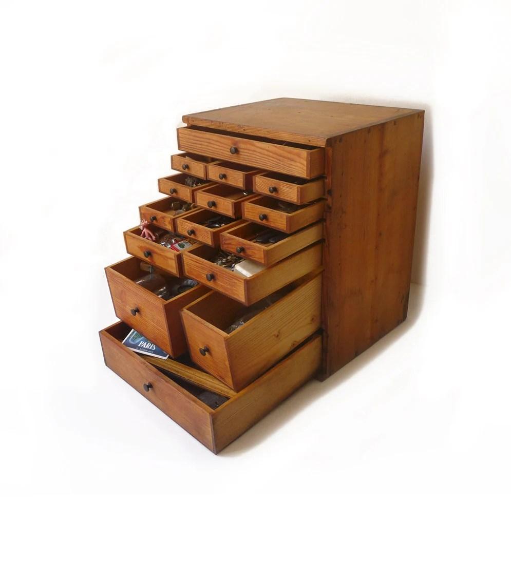 Ancien petit meuble en bois  tiroirs casier dcoration