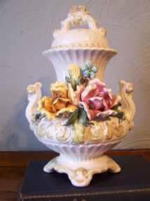 Vintage Capodimonte Urn Vase Italy Italian Porcelain Crown
