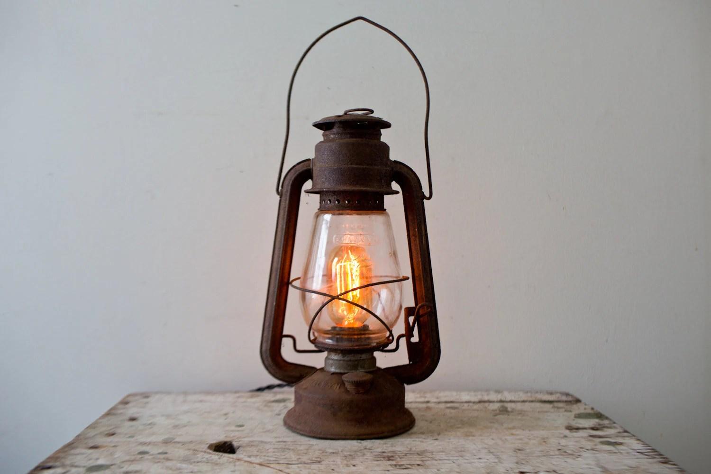 Vintage Lantern Light Chalwyn Kerosene Lantern Ratrod