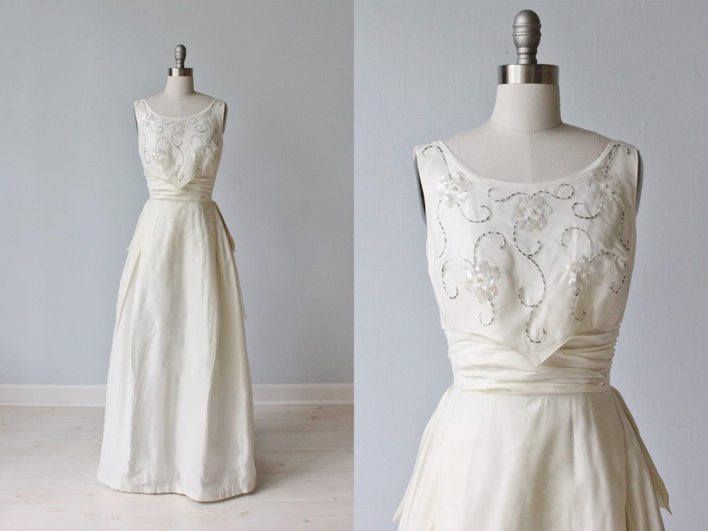 1960s Wedding Dress / Sheath Wedding Dress / Sleeveless / A