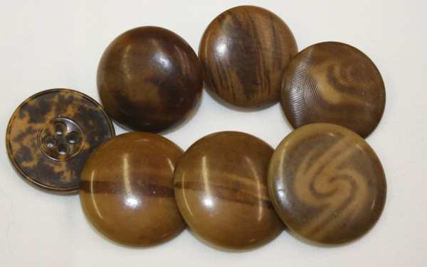 Antique Vintage Buttons 7 Tagua Nut Vegetable Ivory