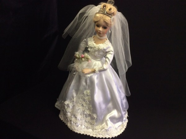 Porcelain Bride Collector Doll Wedding Decoration Party
