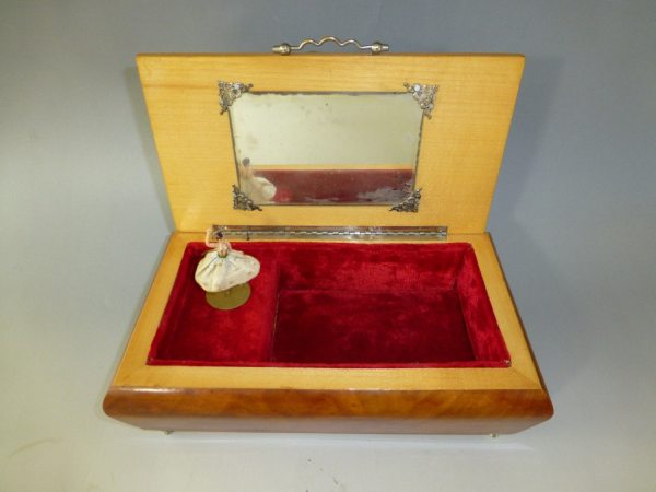 Vintage Swiss Reuge Dancing Ballerina Musical Jewelry Box