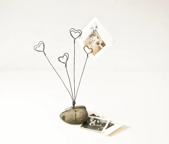 Wire Photo Holder Heart Picture Holder Rock and Wire Picture