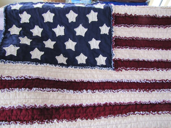 American Flag Rag Quilt In Country Primitive Cranberry