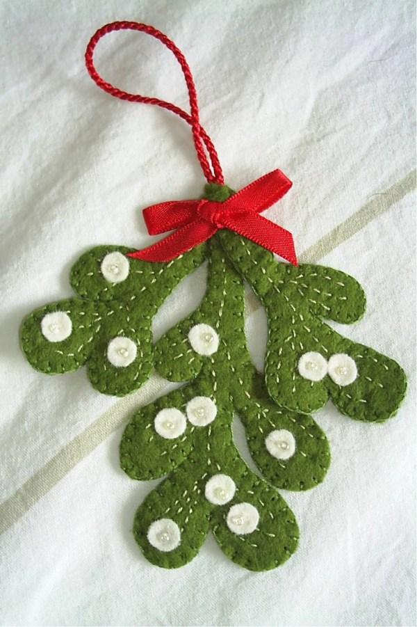 Holiday Christmas Mistletoe Decorationfelt Fraline