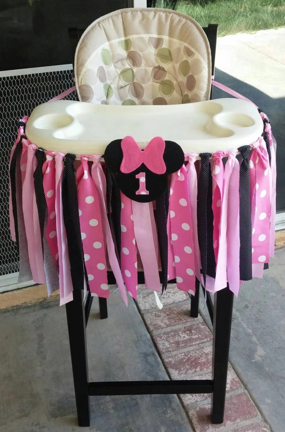 Pink Minnie Mouse Fabric High Chair Banner by ThreeLittleTots