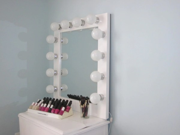 Hollywood Lighted Vanity Mirror Slim Edition With