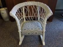 Antique Furniture Child' White Wicker Rocking Chair-folk