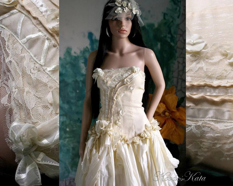 Bohemian Steampunk Bustle Alternative Wadded Wedding Dress