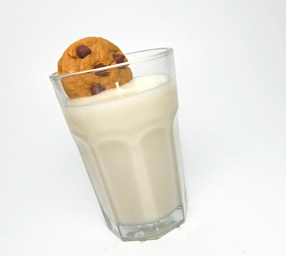 Chocolate Chip and Milk scented decorative and creative candle
