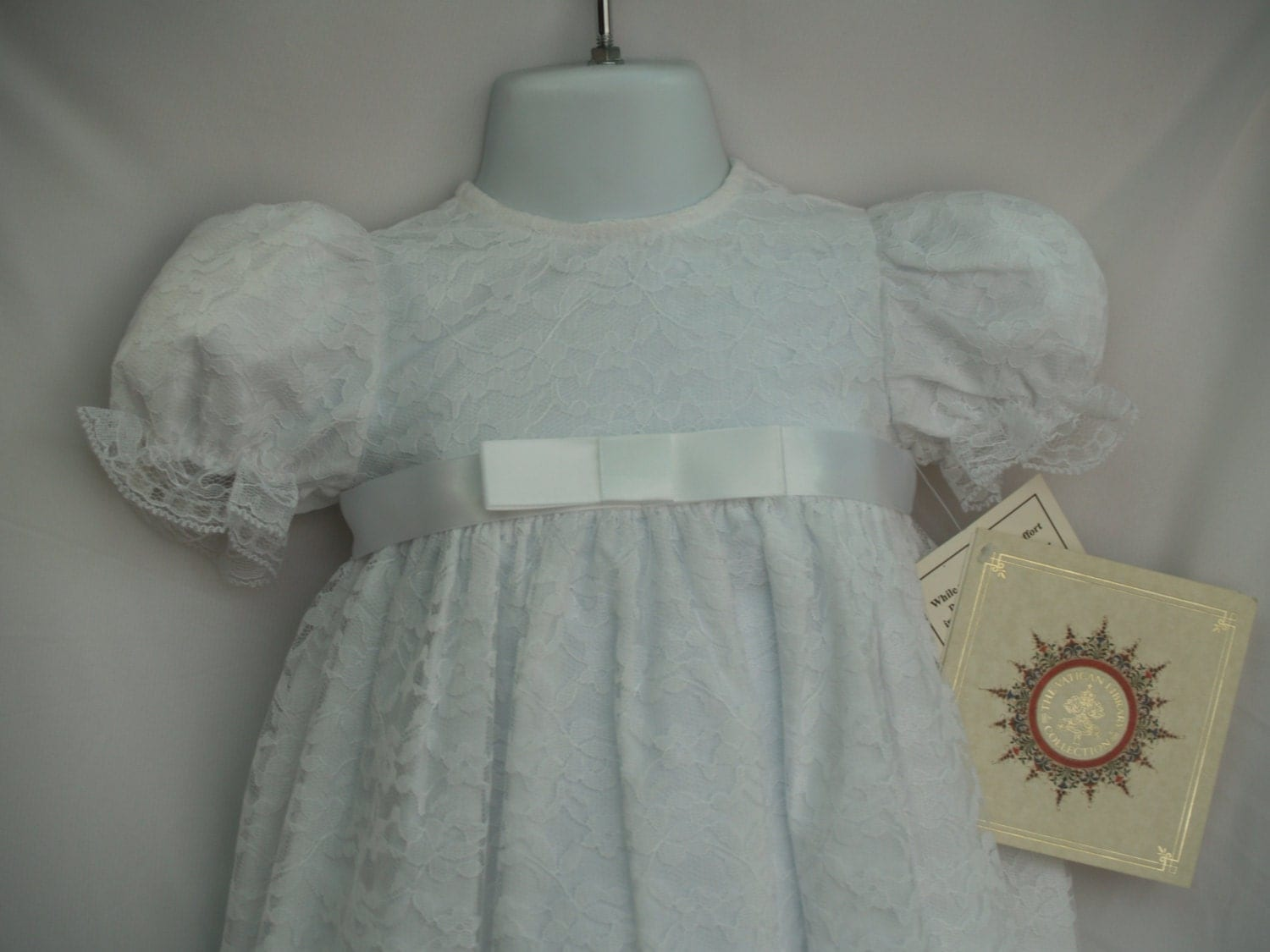 White Lace Baptism Gown Size 6m Three Pieces Hat By