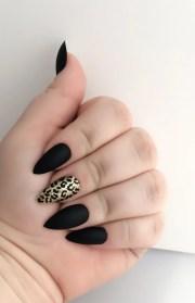 black fake nail set gold false