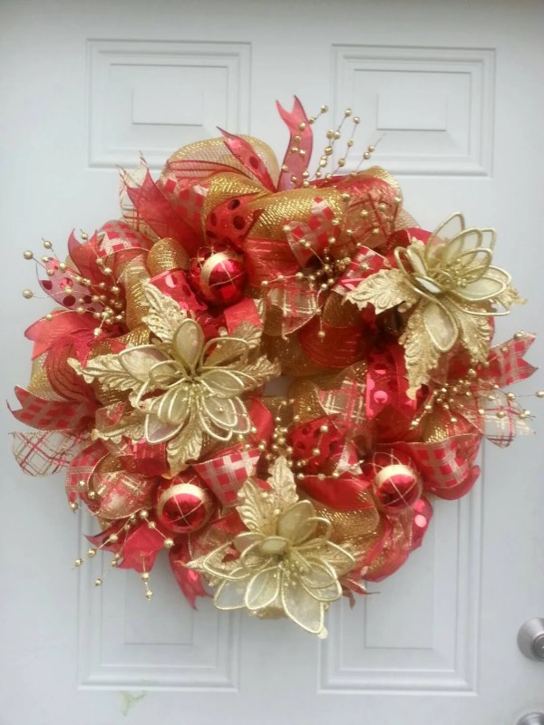 Red and Gold Christmas Mesh Wreath Ideas