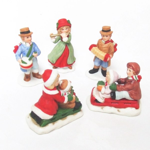 5 Christmas Village Figurines Porcelain HomCo