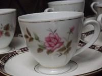 Vintage Tea cups bulk 6 tea cups saucers rose / floral pattern