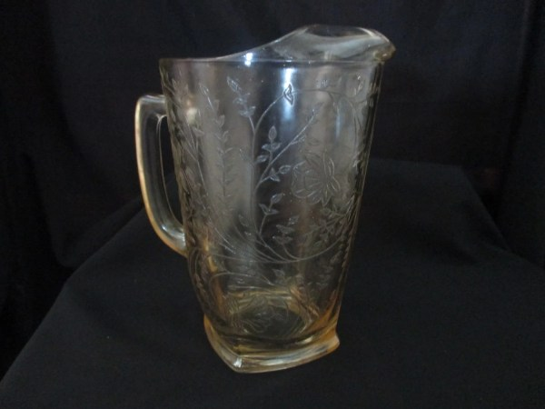 Vintage Jeannette Glass . Flora Gold Louisa Depression