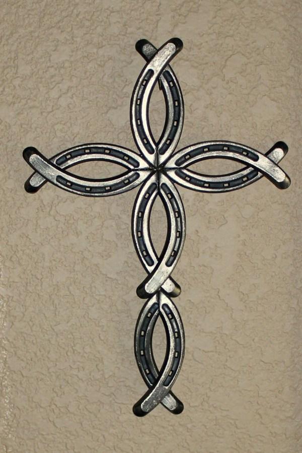 Horseshoe Cross Bobbinsandpurls