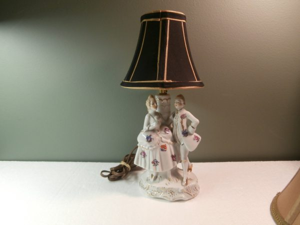 Vintage Colonial Style Table Lamp Nightstand