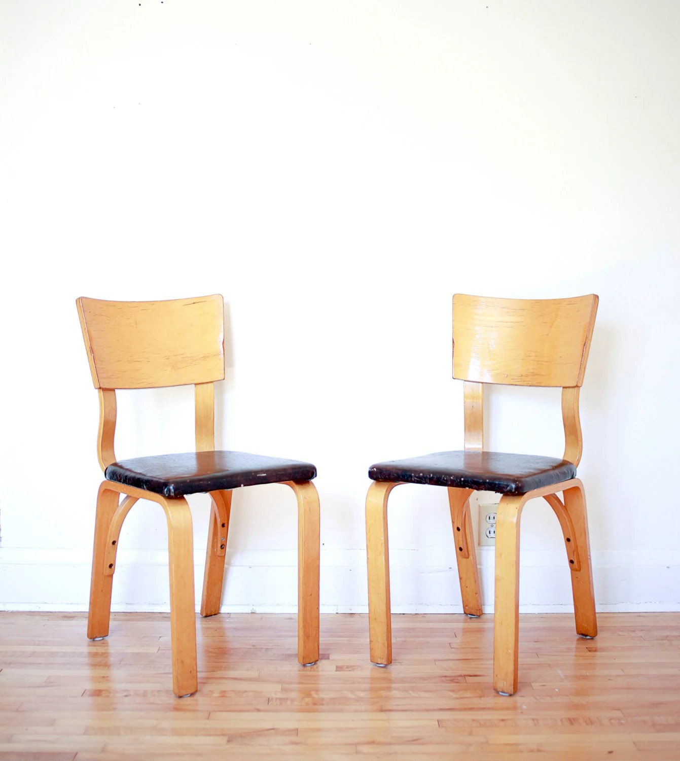 Bent Plywood Chair Pair Of Thonet Bent Plywood Chairs With Dark Brown Vinyl