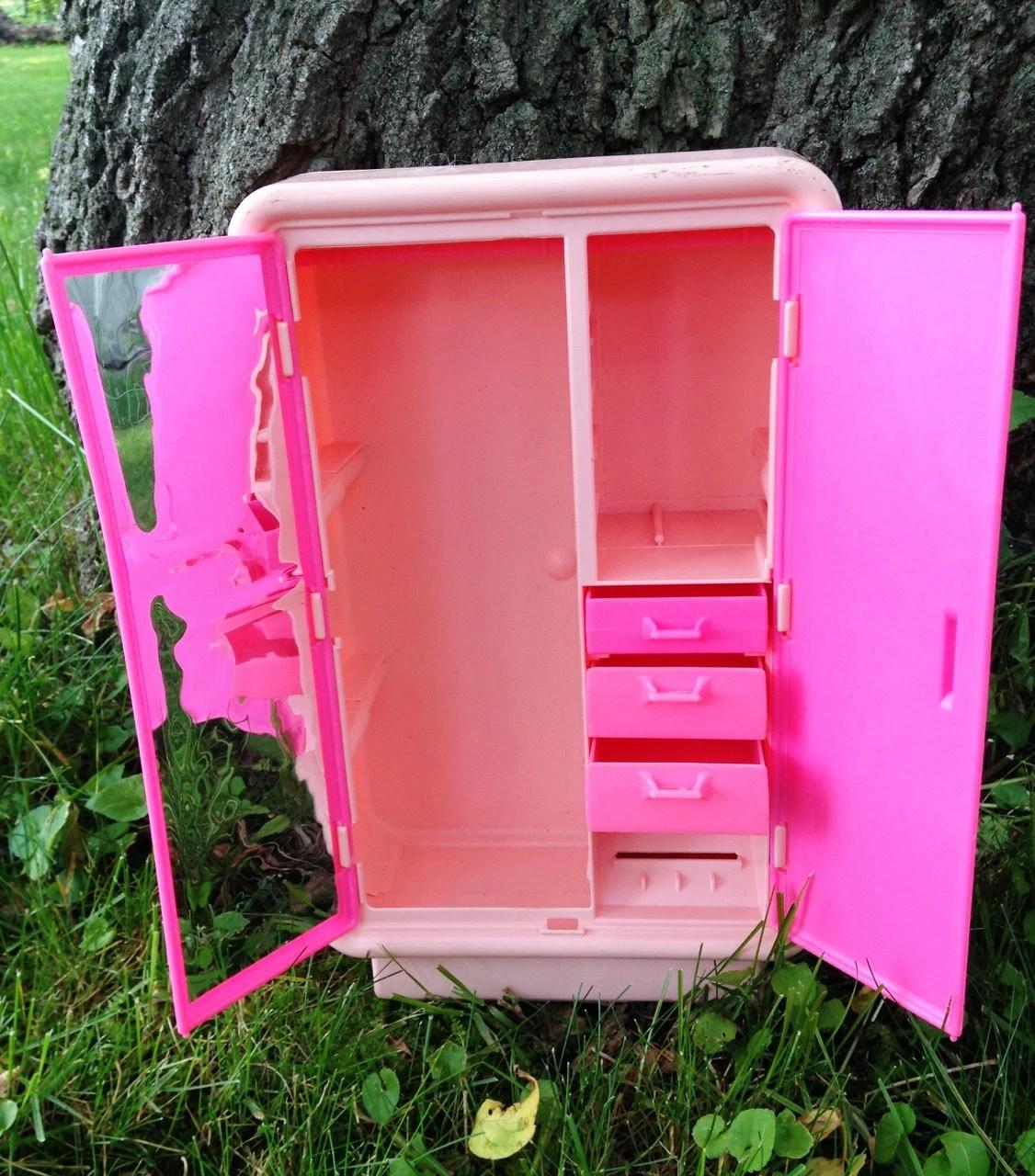 Vintage 90s 80s pink barbie doll bedroom furniture for 80s furniture