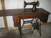1800's SINGER Sewing Machine in Original Oak Cabinet: