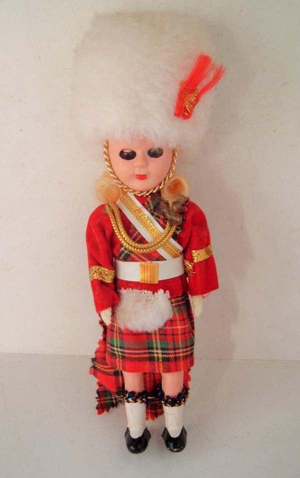 Dolls World Vintage Scottish Doll Pretty