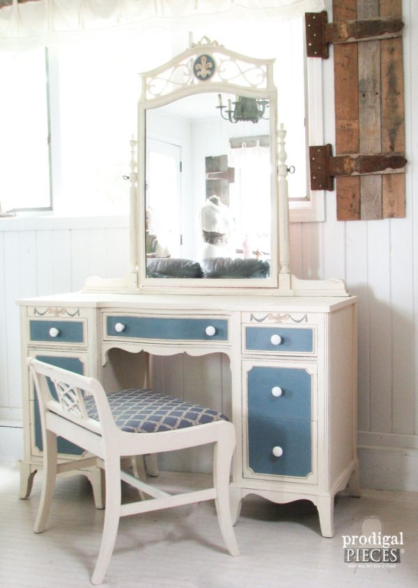 Ornate Blue And White Vintage Dressing Table Vanity With