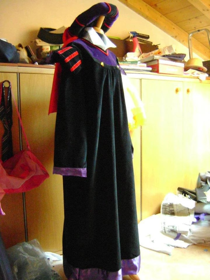 Frollo The Hunchback of Notre Dame Disney costume by