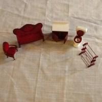 Victorian Style Doll Furniture House Shelf Miniature Display