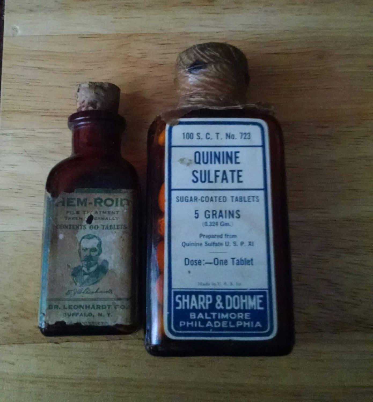 Vintage Medicine Bottles Quinine Sulfate and Hem-Roid Tablets