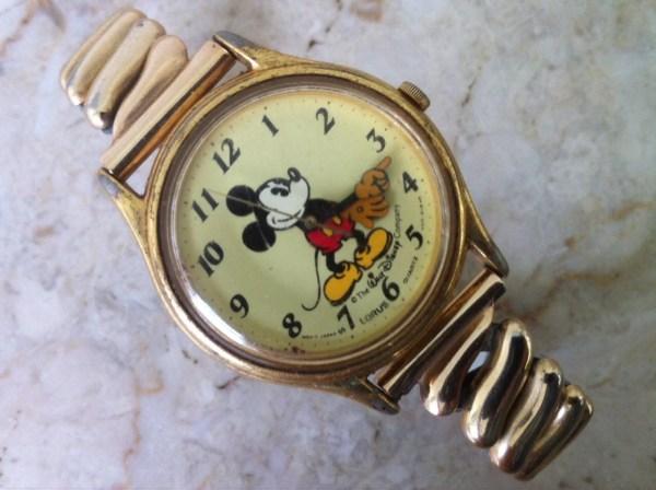 Vintage Disney Mickey Mouse Watch Lorus Seiko V515-6000