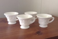 Vintage 4 White Milk Glass Grape Design Tea Cups Coffee Mugs
