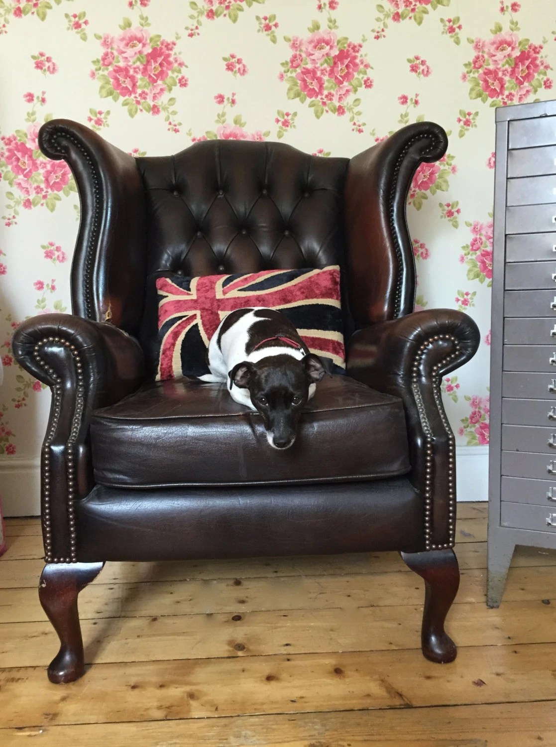 traditional leather wingback chair cost of wheel chairs vintage retro brown