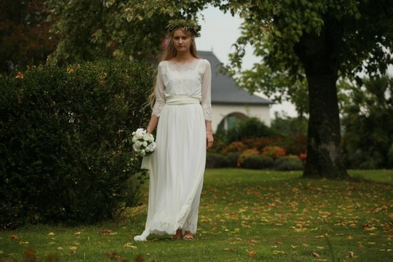 Off White Lace And Tulle Bridal Gown Simple Boho Wedding