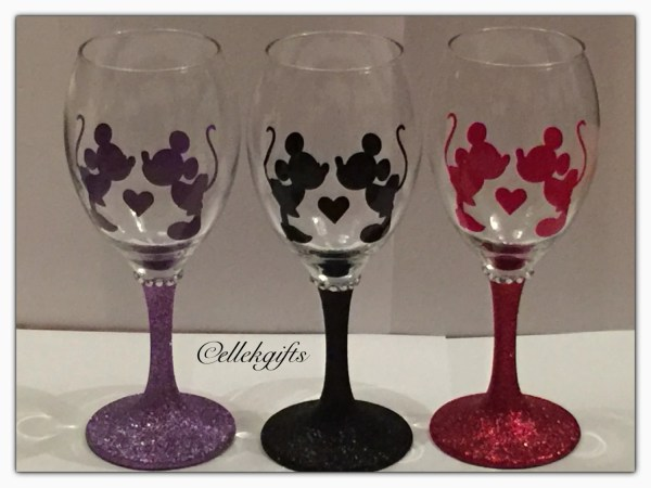 Disney Inspired Mickey Minnie Mouse Kissing Glitter Wine Glass