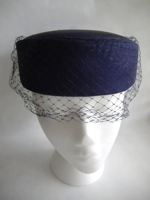 Vintage Ladies Classic Navy Blue Linen Pillbox Hat with