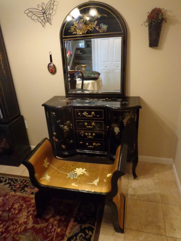 Asian Vanity Table Set Hand Painted Black Lacquer Chinese