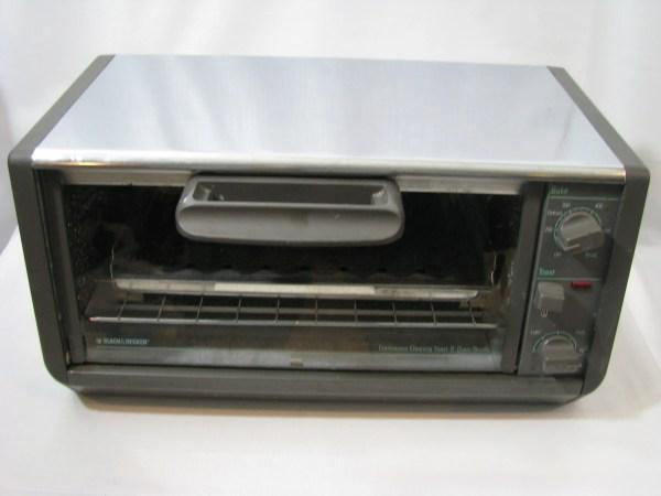 Vintage Black & Decker Toaster Oven Spacemaker Space Saver