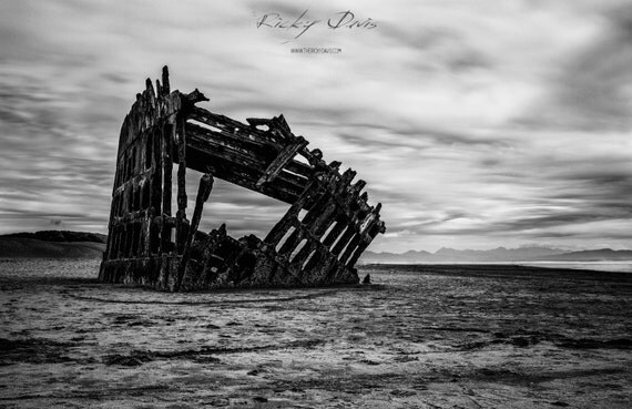 wreck of peter iredale landscape