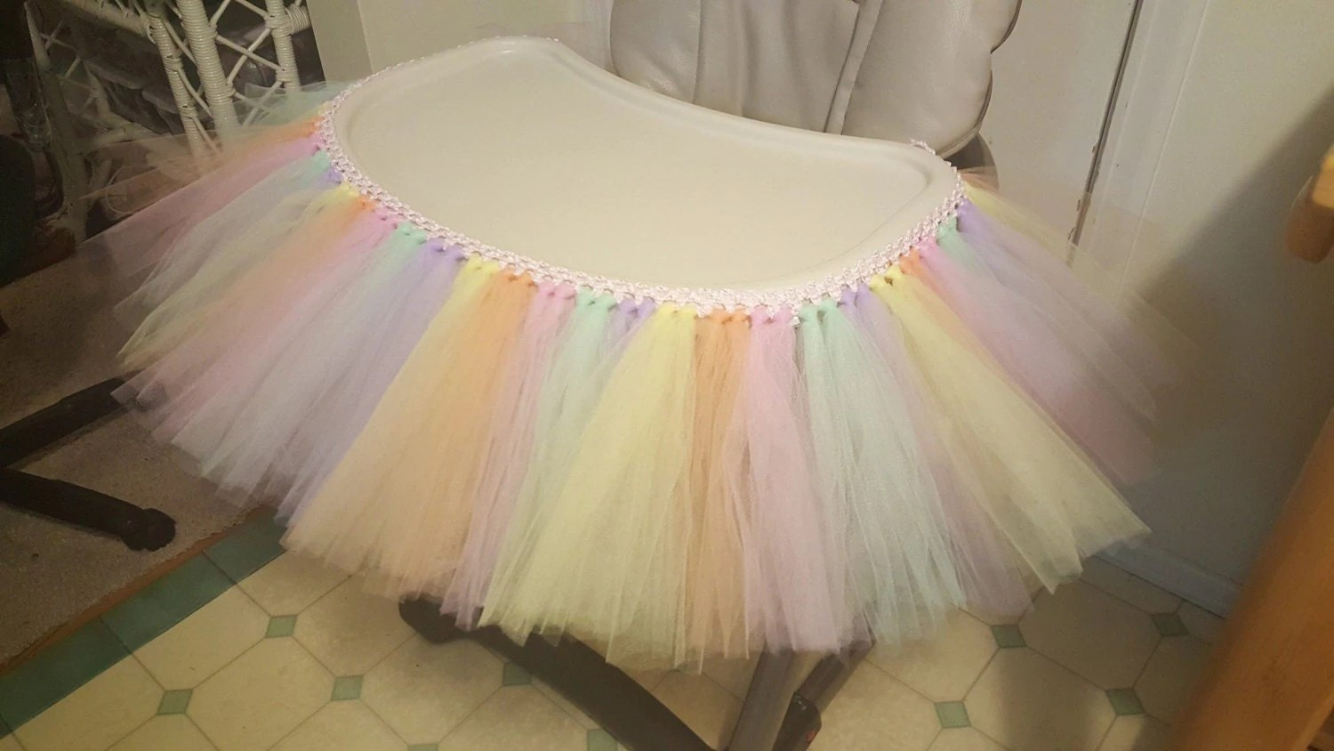 table high chair reviews fishing bed mattress tutu tulle skirt banner highchair decoration