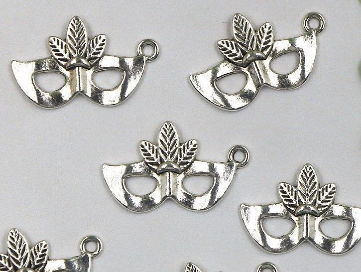 Charms Silver mask masquerade mardi gras Jewelry Finding