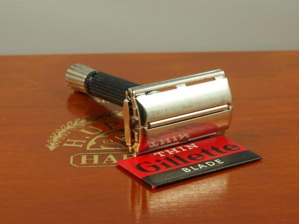 Clean 1968 N1 Black Handle Super Speed Gillette Safety Razor